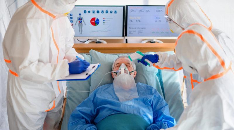 Peste 200 de muncitori români infectați cu coronavirus într-un abator din Germania