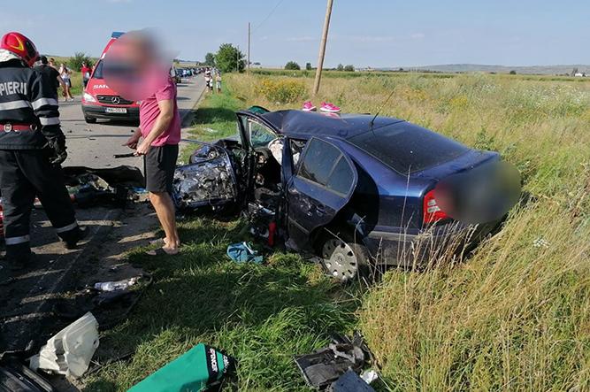 Accident CUMPLIT – trei mașini implicate: se intervine de urgență, traficul este blocat | Stirea de Iasi