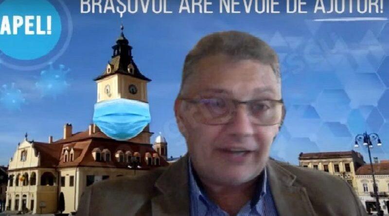 """O nouă şedinţă cu circ la Consiliul Local Braşov. Macedonschi a prezentat Casa Sfatului cu mască, Oprică l-a rugat să nu uite să """"ia pastilele"""""""