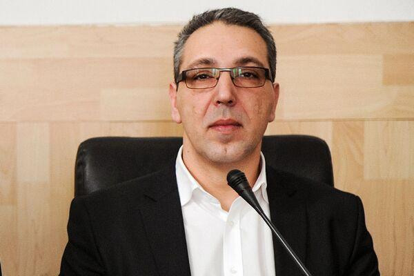Nicolae Robu a mai scăpat de un funcţionar incomod! Şeful Direcţiei de Cultură, Sorin Predescu, mutat în Oltenia