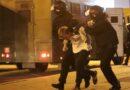 Minsk: Forțele de ordine au folosit tunuri cu apă. Manifestanții au fost închiși în dube