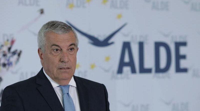 Pilotul Tăriceanu a făcut un survol al Aeroportului Brașov – Ghimbav și a tras o concluzie electorală: se lucrează timid la proiectul pe care l-am finanțat eu, ca premier