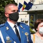 """Consilierii locali brașoveni l-au făcut cetățean de onoare pe șeful Jandarmeriei Brașov. Au fost şi argumente contra. """"Ducem acordarea acestei distincții în domeniul ridicolului"""""""