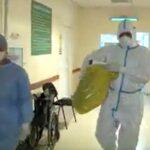 """Pacienți cu SARS-Cov2 – vot la Spitalul """"Victor Babeș"""" din Timișoara. A fost adusă urna mobilă/Video"""