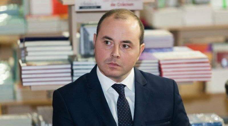 Cine plătește cu adevărat ratele la cele 12 credite bancare ale lui Alexandru Muraru? – CRITICII.RO
