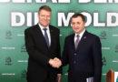 Klaus Iohannis a promovat un infractor și lideri obraznici la Chișinău