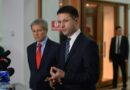 Iohannis a trimis ministrului Justiţiei cererea de urmărire penală a unui fost ministru din Guvernul Cioloș