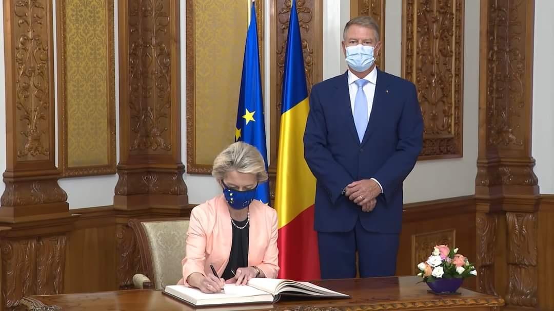 Iohannis nu înțelege de ce românii nu s-au vaccinat ca danezii!