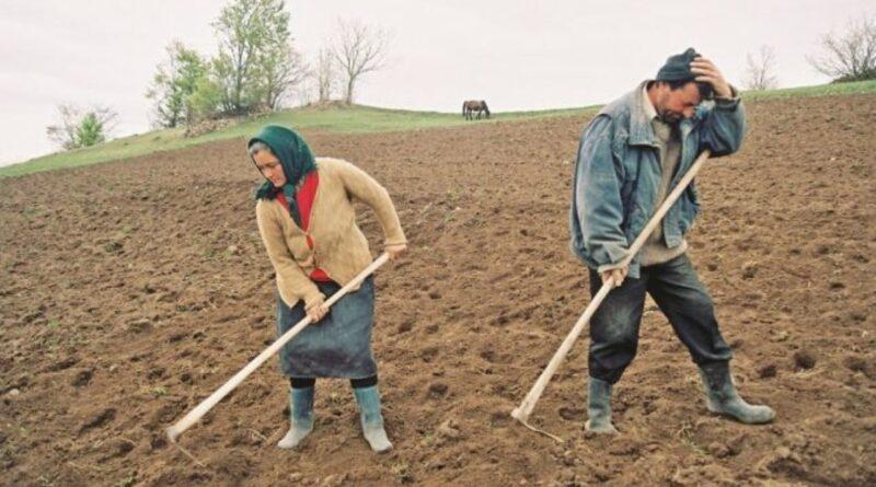 Românii nu joacă golf fiindcă au prea multe găuri în buzunare