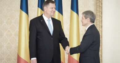 Dacă Cioloș nu-și depune imediat mandatul, nu mai e prost, e ticălos